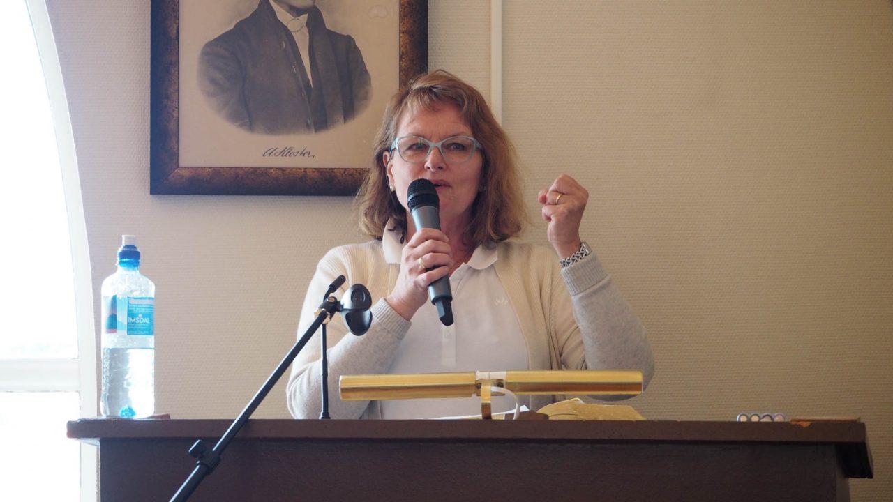 Jesus fest 10. mai 2020. Gladys Aarstad talte inspirerende om Guds ild og kraft til liv og tjeneste for Herren.