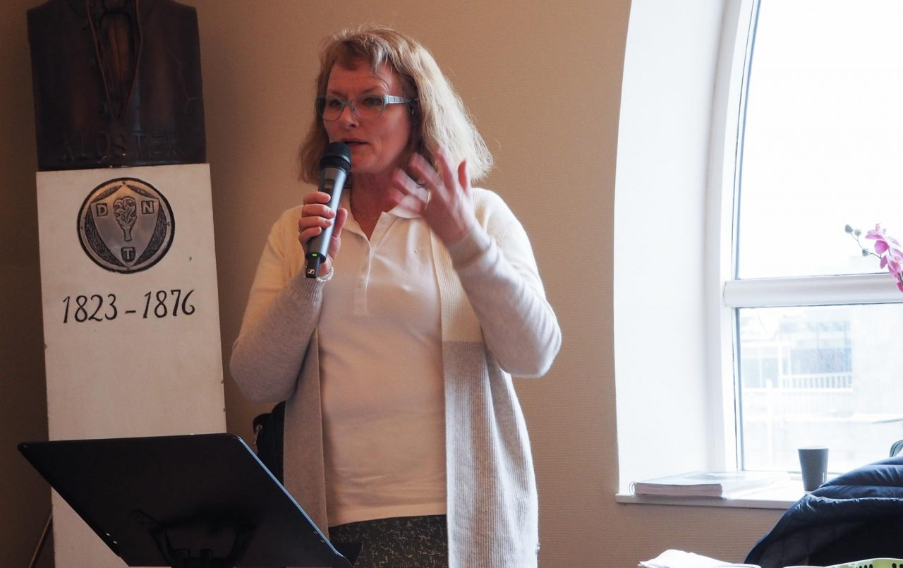 Gladys Aarstad ledet møte 9. mai 2020 på Jesus fest.